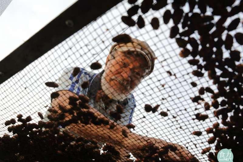 「邱氏巧克力」是屏東第一個本土巧克力品牌,創辦人邱銘松的可可豆甚至外銷到日本、韓國、香港。(圖/食力foodNEXT提供)