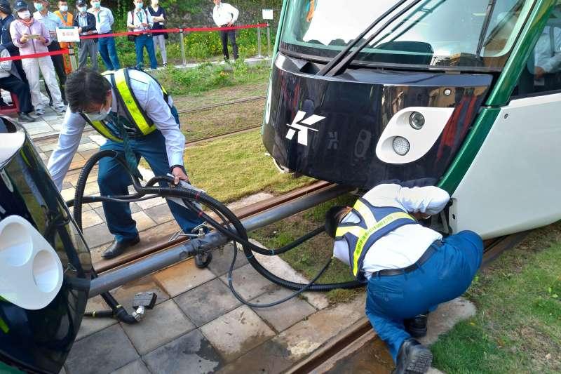 20201219-交通部19日針對高雄環狀輕軌進行履勘作業。(交通部提供)