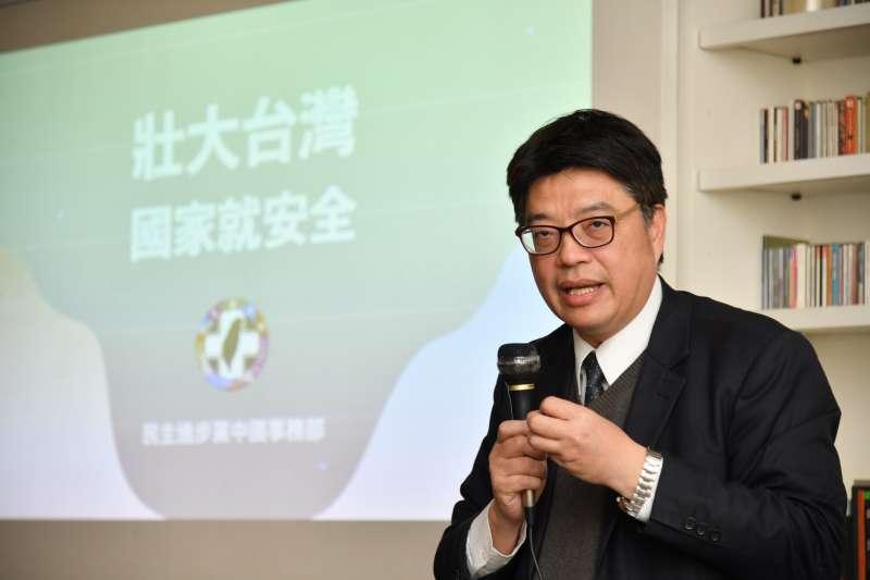 20201220-民進黨20日舉辦「壯大台灣,國家就安全」台南場次座談會。圖為陸委會副主委邱垂正。(民進黨提供)