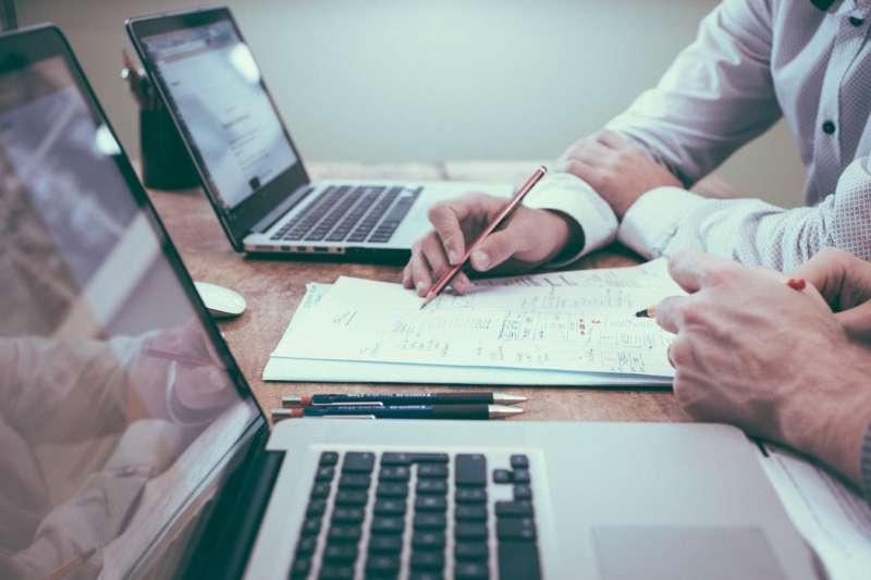 規劃找工作,與思考如何成功讓老闆替自己加薪,其實是一體兩面(圖片來源:Scott Graham on unsplash)