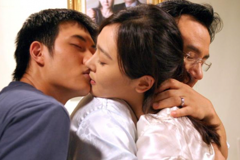 韓國導演金基德(김기덕)擅長將人性黑暗面以鏡頭上色,是韓國獨立電影的指標性人物。(圖/方格子)