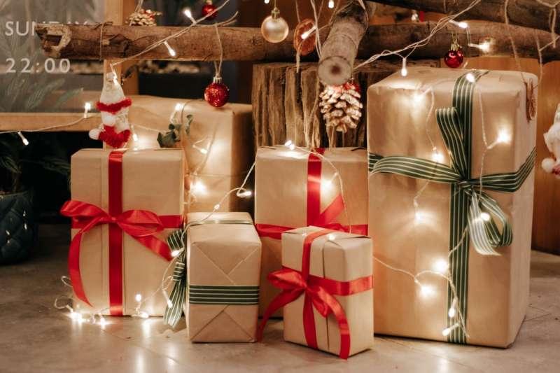 交換禮物還在送馬克杯?推薦今年聖誕節特別又實用的禮物清單!(圖/Unsplash)