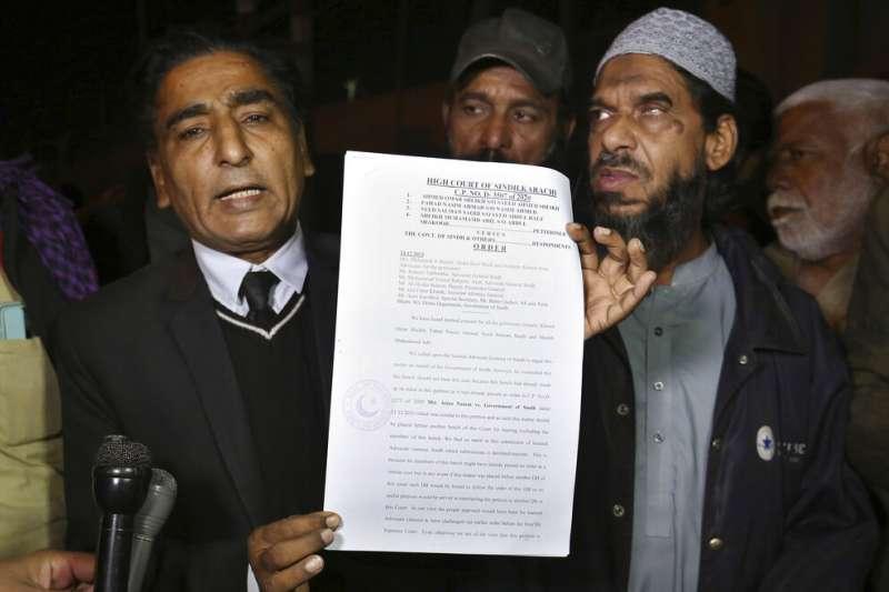 英籍伊斯蘭恐怖分子艾哈邁德.奧瑪爾.賽伊德.謝赫的辯護律師。(AP)