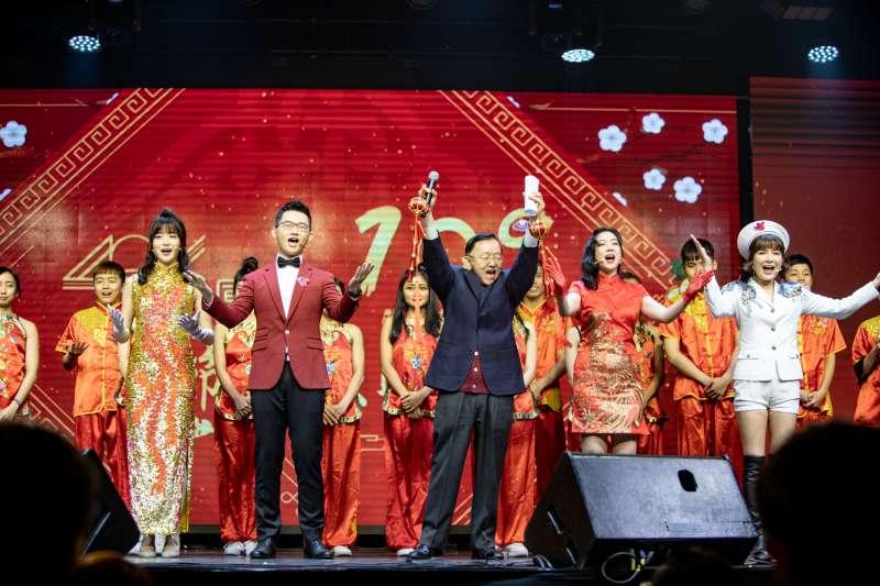 眼球中央電視台宣布,基於防疫考量,原定於明年1月23日舉辦的「中華民國110年眼球中央電視台春節聯歡晚會」決定停辦。圖為2020年的「央視春晚」。(眼球中央電視台提供)