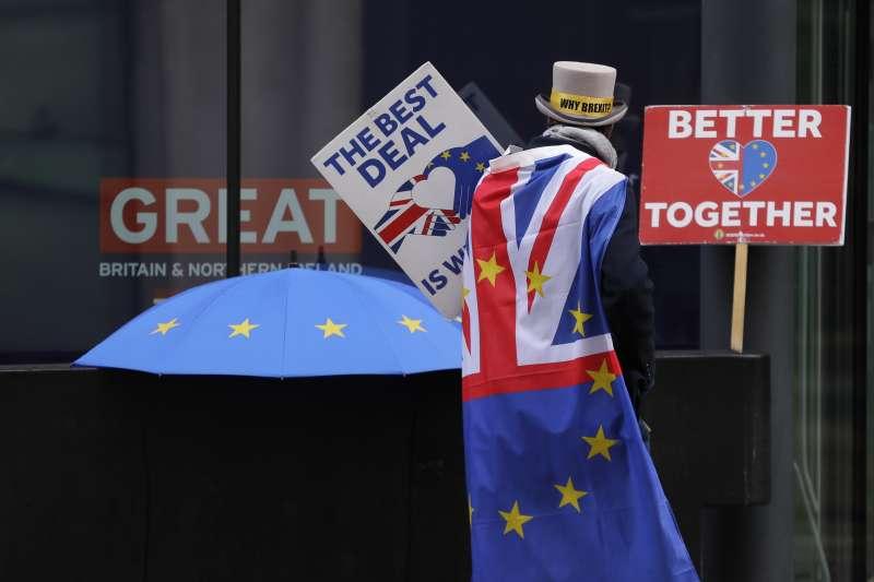 與歐盟拉鋸了四年多的英國終於在聖誕節前達成「分手」協議,為計劃投資英國市場的人士掃清重大障礙。(AP)