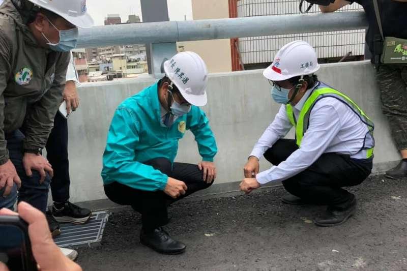 高雄市長陳其邁表示,國道10號東向銜接國道1號北上匝道爭取明年年節前完工,可望疏解平面道路的車流。(圖/高雄市政府提供)