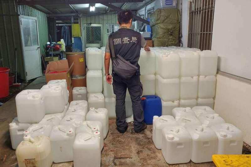 20201228-高雄市調查處於今年8月21日,在檢察官指揮下,於新竹縣內一偏僻民宅,破獲一座雙用途製毒工廠。(調查局提供)