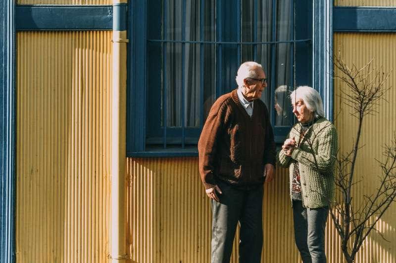 隨著高齡化社會成為全球趨勢,「孤獨老」也成為各國亟待解決的議題。(圖/取自Pexels)