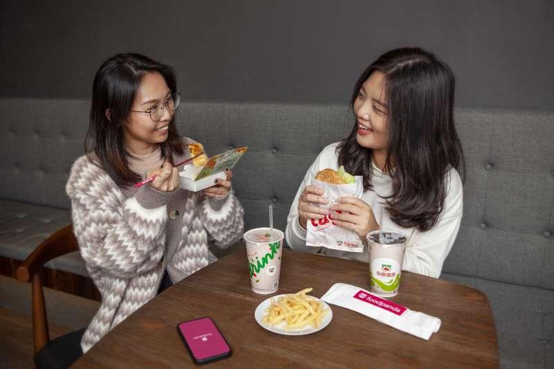 foodpanda統計2020年早餐訂單數據發現,台灣人在早餐時段鍾情罪惡系餐點,薯條、熱狗、雞塊三款炸物榮登早餐熱賣餐點前三名。(foodpanda提供)