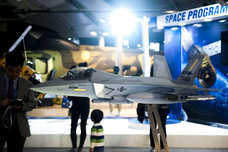 韓國新世代戰機模型2017年在首爾航太國防展亮相(Alvis Jean@Wikipedia/CC BY-SA 4.0)