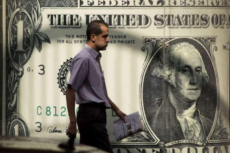 有很多理由預期明年美元會走弱,弱勢或許會持續更長時間。(美聯社)