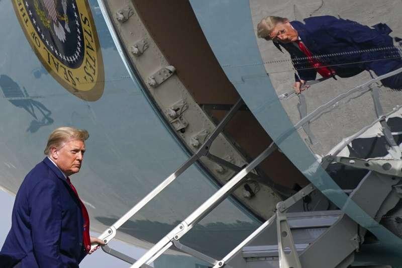在密蘇里州聯邦參議院霍利阻撓國會確認拜登當選後,美國總統川普在2021年最後一天提前結束了他的新年假期,緊急趕回白宮。(美聯社)
