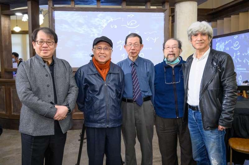 20210104-左起朱宗慶、賴德和、錢南章、丘延亮等人與筆者合影。(王世邦攝影)
