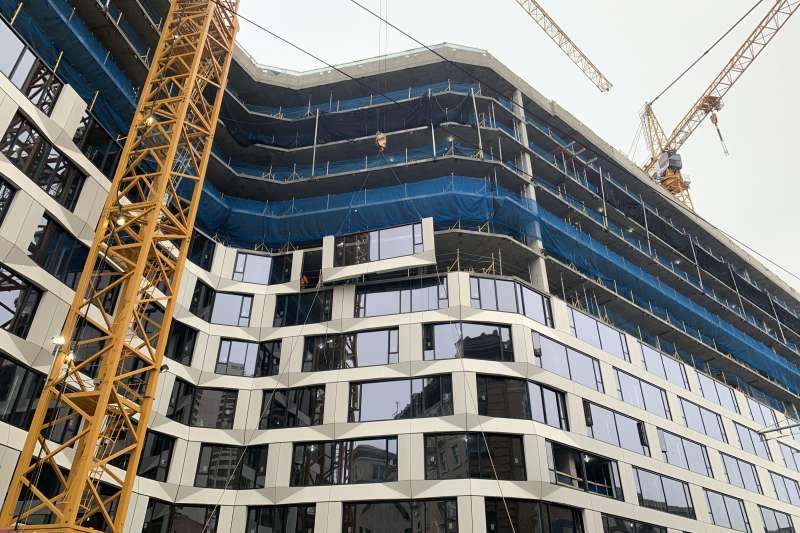 住宅規劃242戶,以實坪制規劃11-35坪作為套房及1-2房住家使用。(大陸建設提供)