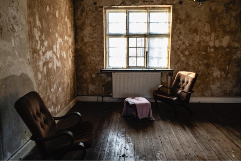 專家表示,房子若沒有人為調節溫度與乾濕度,久了會影響家具、裝潢及建材。(圖/取自Pixabay)