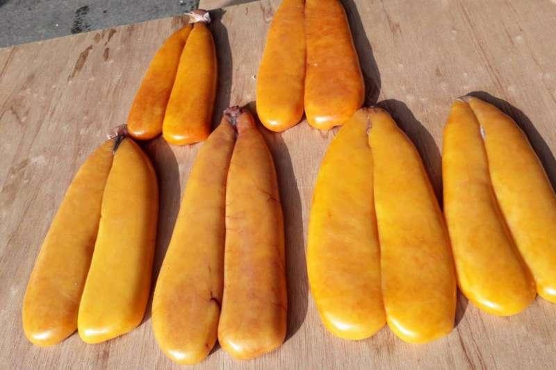 從母魚卵巢中取出製成之烏魚子,營養價值極高,富含蛋白質、脂肪、維生素和礦物質。(圖/新北市漁業處提供)