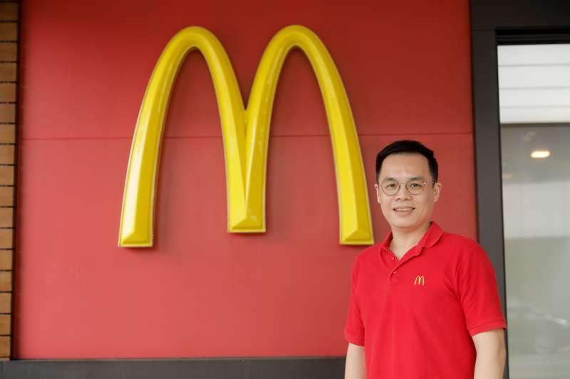麥當勞營運部營運經理陳士傑。