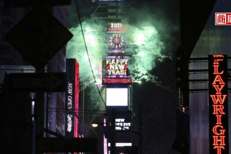 每年吸引上億人觀賞的紐約跨年活動,由該廣場看板營運商翔琥科技(Tiger Party)工程負責,該創辦人暨執行長為台裔的張中益,公司核心團隊都在台灣。 (圖/商業周刊)
