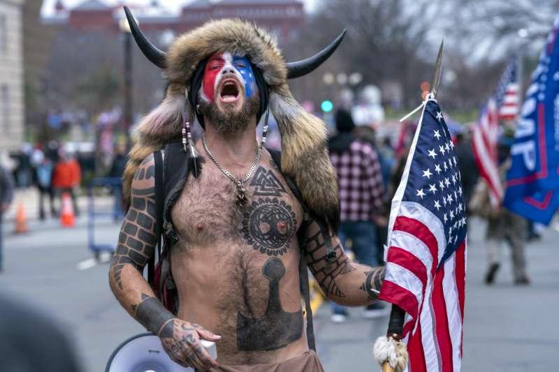 2021年1月6日,川普在華府舉辦「搶救美國大會」,吸引大批川粉(AP)