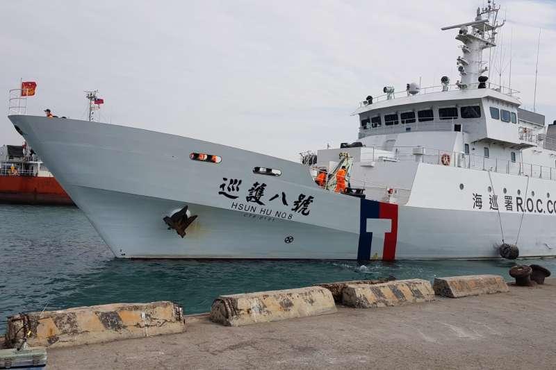 巡護八號為海巡署1000噸級遠洋巡護船,5級海象仍能有效作業。(海巡署提供)