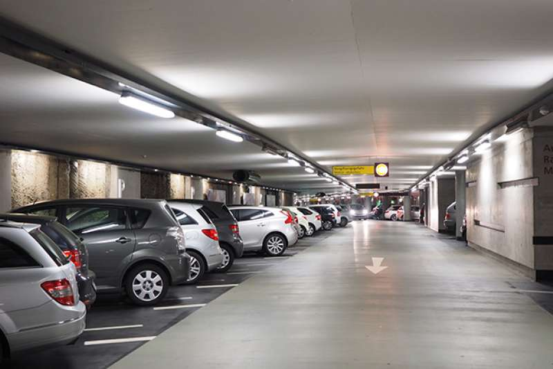 地下停車場,B1、B2、B3哪層樓比較好?(圖/取自Pixabay)