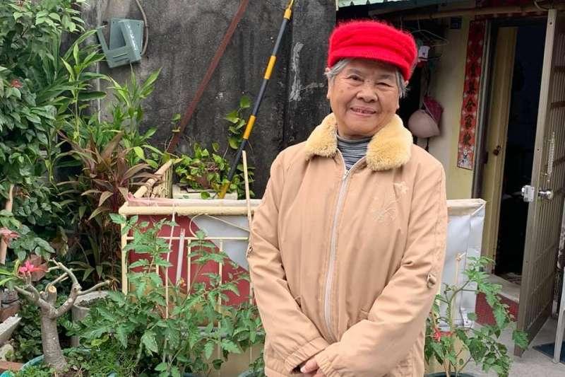 作者在今年冬季去了一趟雞母山旁的「豬籠城寨」探慰兩位女士;一位是上士的遺孀謝秋梅(見圖),另一位是抗日名將陳克球中將的女兒陳仲云。(作者廖念漢提供)
