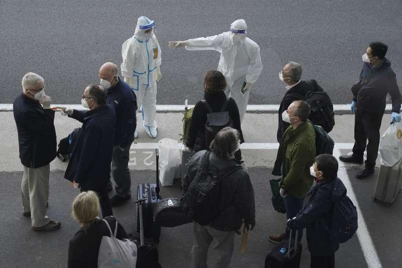 世界衛生組織(WHO)新冠肺炎調查團抵達中國武漢(AP)