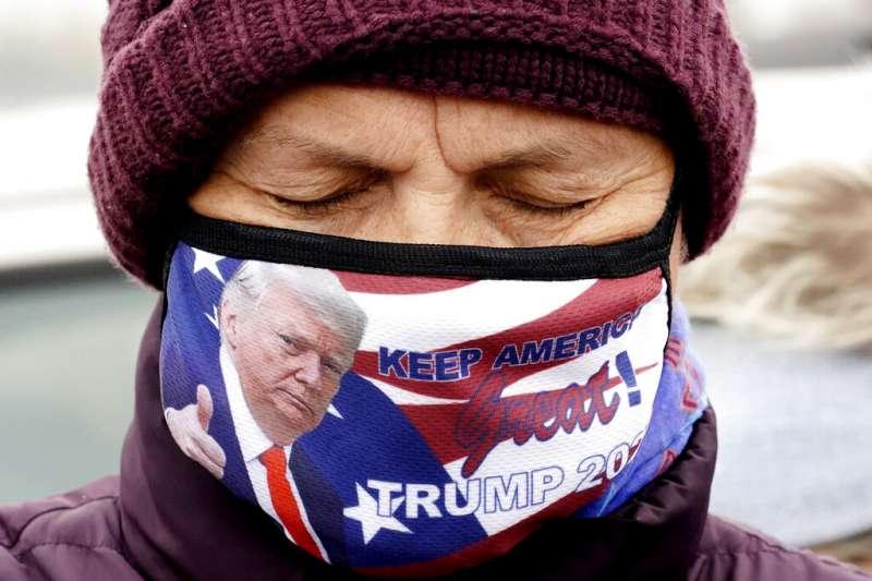 美國總統川普雖然再次遭到彈劾,他的支持者依舊不離不棄。(美聯社)
