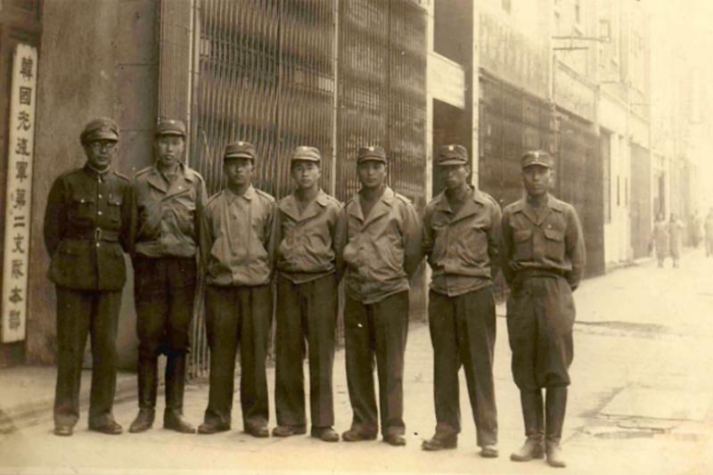 二戰時在金九麾下,指揮韓國光復軍第2支隊的李範奭,在光復後反而比較支持李承晚,可見戰後初期南韓內部的派系之爭並不涉及「親中」、「親美」、「抗日」或者「親日」。(作者許劍虹提供)