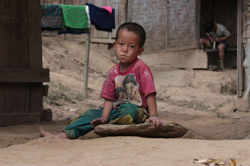 家庭失能往往會影響下一代,造成弱勢及貧窮的惡性循環,成為社會悲歌。(示意圖非本人/取自pixabay)