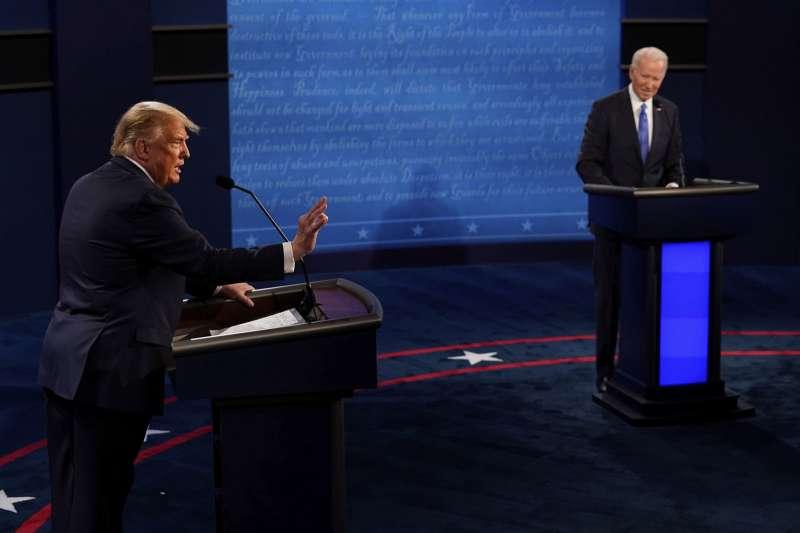 拜登(右)的對中政策,將不會比川普(左)強硬。(美聯社)