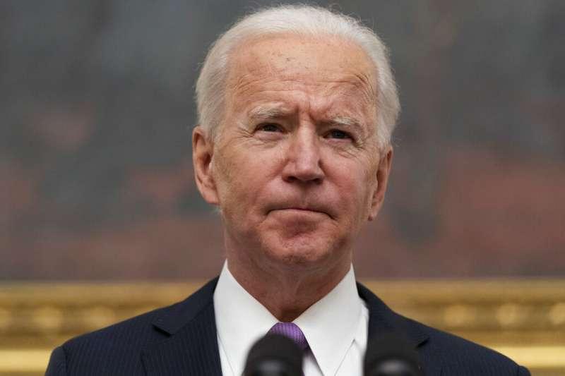 1月21日,美國總統拜登簽署10道有關新冠肺炎防範的行政命令。(AP)