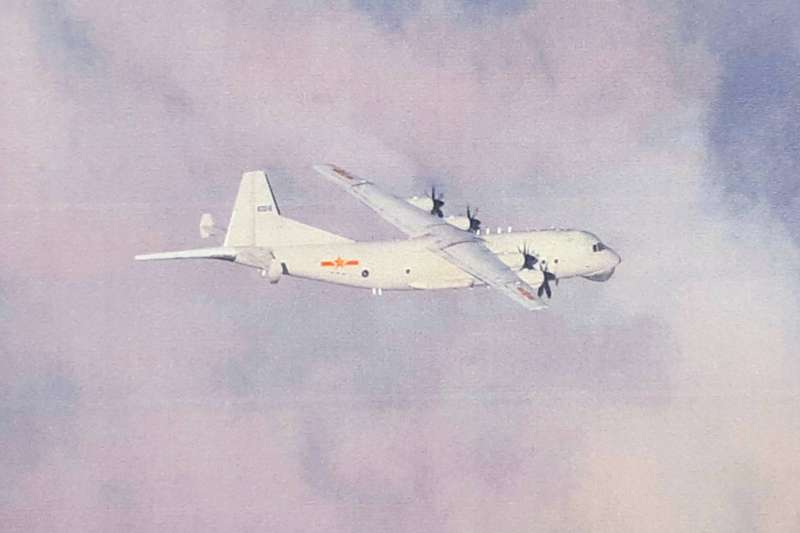 4月30日進入我空域的運-8反潛機,穿越我西南空域後,一路飛至南面巴士海峽,再往東南空域飛行。示意圖。(資料照,空軍司令部提供)