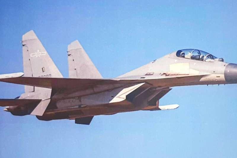 空軍24日發布共機動態,共15架共軍侵犯台灣西南防空識別區。圖為殲-16機。(資料照,空軍司令部提供)