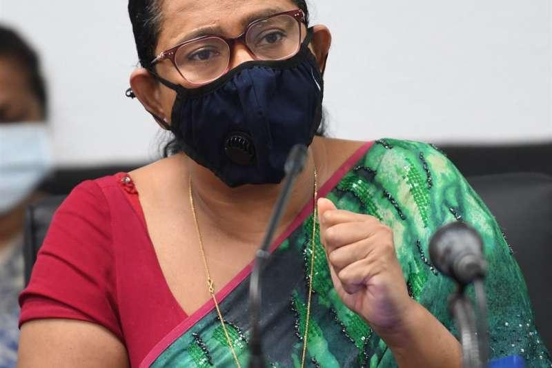 斯里蘭卡衛生部長萬尼阿拉齊曾公開贊同以巫術和魔法藥水防止新冠肺炎(COVID-19)。不過斯國官員23日表示,萬尼阿拉齊被驗出確診。