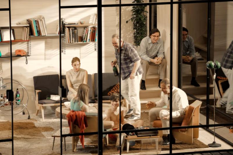 荷蘭阿姆斯特丹劇團《易卜生之屋》原訂2月演出,現因疫情取消。(兩廳院提供)