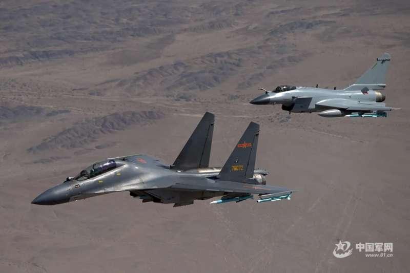 中國空軍的殲-16與殲-10。(中國軍網)