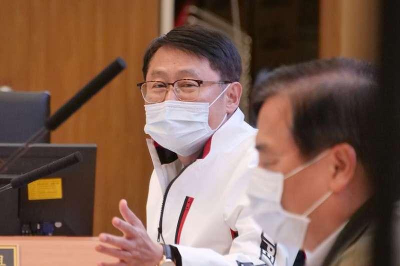 新北市副市長陳純敬指示相關局處針對施工單位提報的交維計畫,務必從嚴審查。(圖/新北市交通局提供)