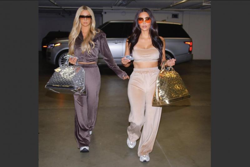 封城期間,2000年代初紅極一時的絲絨運動服又掀風潮。(截自Kim Kardashian IG)