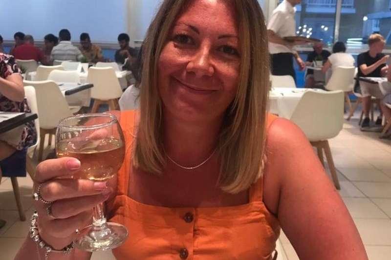 弗里爾來自英國薩頓科爾菲爾德,2020年3月感染了新冠肺炎,和許多人一樣,她因此失去了嗅覺。(BBC News中文)