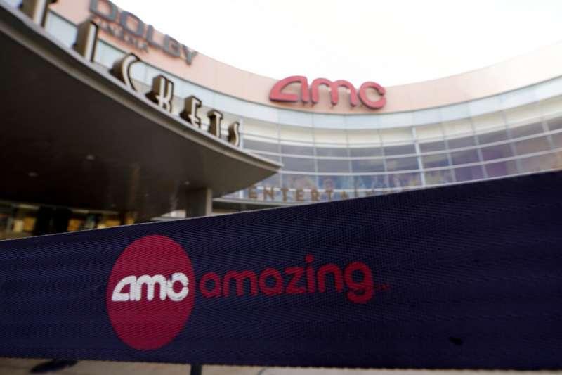 AMC是美國老牌連鎖電影院。這次反彈對AMC來說是一個驚人的轉折。這家連鎖電影院去年才因新冠疫情而陷入困境,並試圖避免破產。(AP)