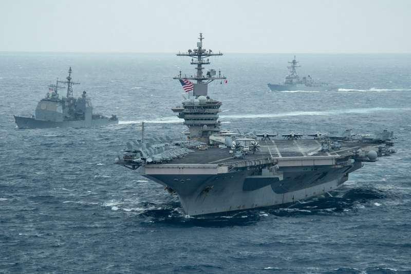 台海和南海都是美中衝突可能擦槍走火危險區域。圖為美國派遣羅斯福號航艦打擊群進入南海。(翻攝自uss theodore roosevelt cvn-71臉書)