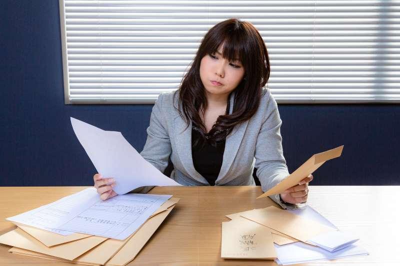 試用期被開除可以領資遣費嗎?本文彙整新鮮人試用期最常見的9個疑問,趕緊先來了解一下勞工權益。(圖/取自pakutaso)