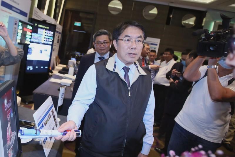 台南10娛樂場所不甩停業令,黃偉哲:將加重裁罰並公布店名。(資料照,柯承惠攝)