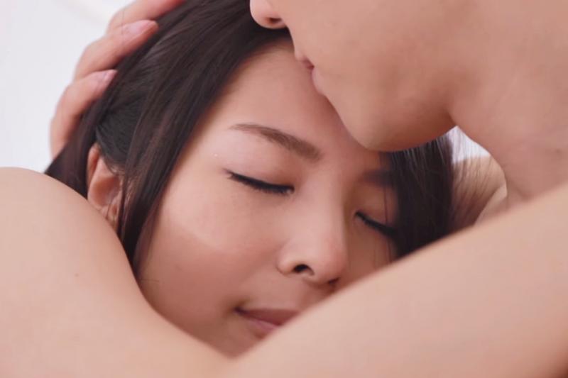 男女私密處其實不是最敏感的地方?真正的敏感帶是這6個!(示意圖非本人/翻攝自youtube)