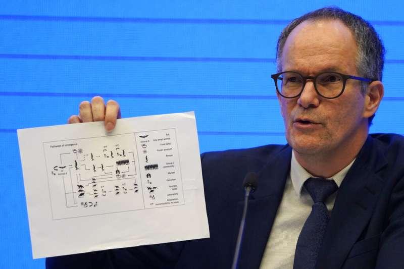 世界衛生組織(WHO)9日召開記者會,公開一個月來在武漢追溯新冠病毒源頭的調查結果,WHO國際調查小組主席、跨物種動物疾病專家恩巴瑞克(Peter Ben Embarek)。(AP)