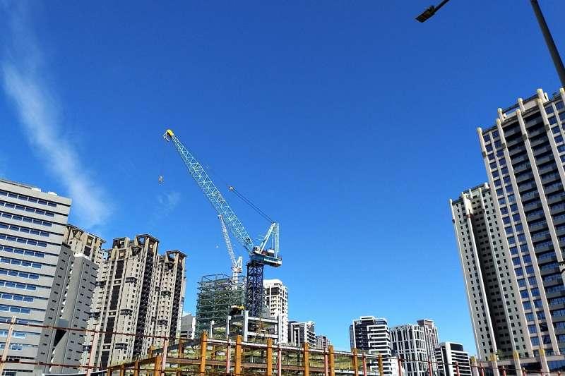 桃園前瞻基礎建設軌道建設的政府預算在六都中是最高,僅次於台北市,收入位居六都第二名,再加上房價基期也較低,吸引房價買盤。(圖/好房網)