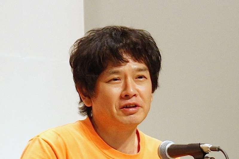 日本當代藝術家奈良美智2月14日晚間抵台後,連續發文稱許台灣防疫措施嚴謹。(Hsinhuei Chiou@Wikipedia/CC BY-SA 4.0)