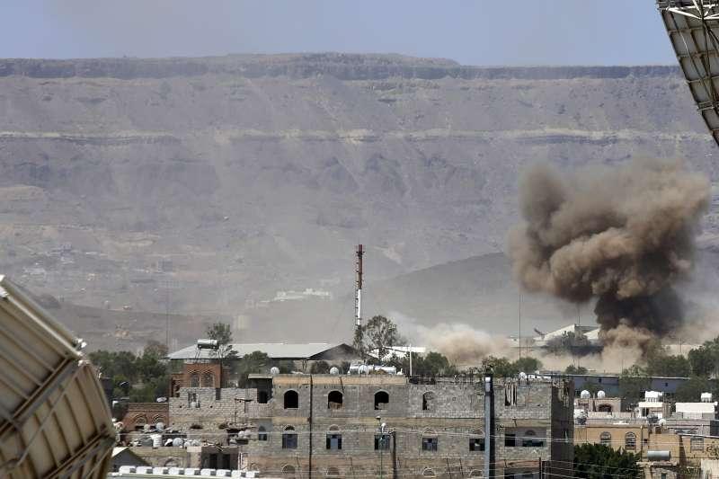 葉門內戰,2015年9月,沙烏地阿拉伯空軍轟炸葉門首都沙那(AP)