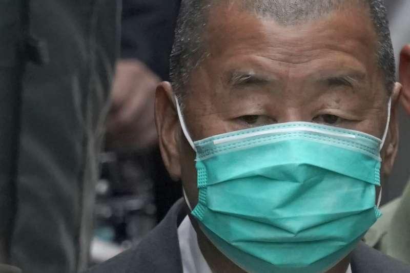 2021年2月9日,因被控違反《港區國安法》而受審的香港媒體大亨黎智英,保釋聲請遭香港終審法院撤消(AP)